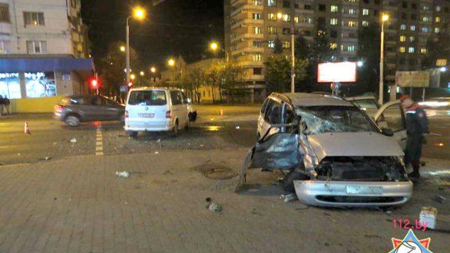 В Минске в результате столкновения Seat и Volkswagen пострадали 3 человека