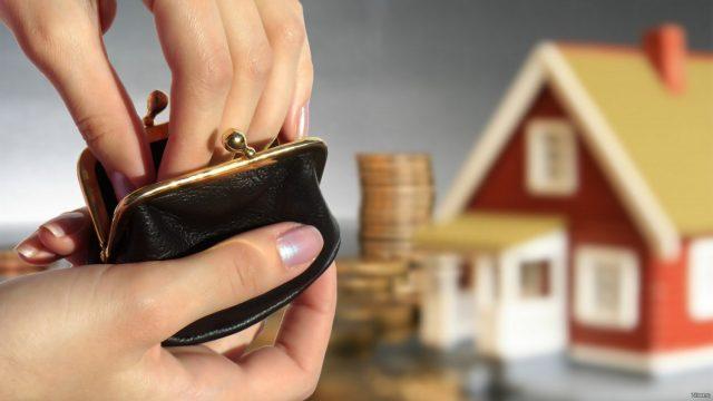Более 100 белорусов уведомили налоговую о неучастии в финансировании госрасходов
