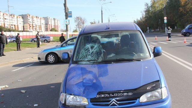В Витебске водитель сбил двух 19-летних девушек