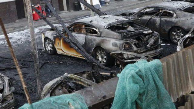 сгорели 9 автомобилей