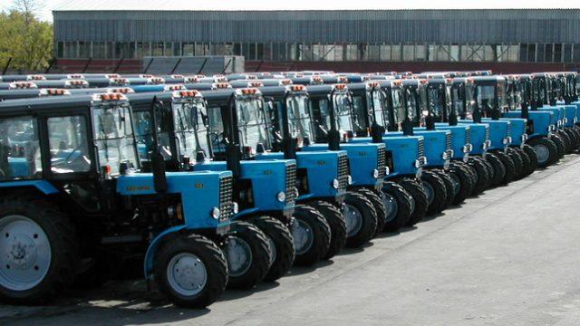 трактора на Кубу