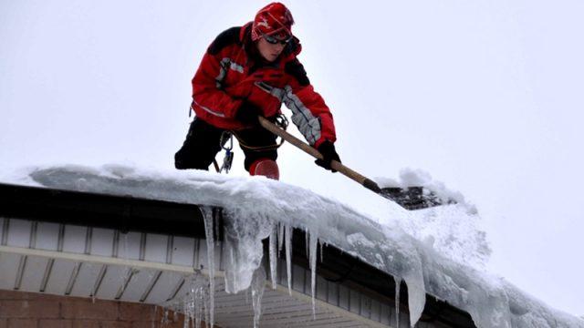 ВМинске остановили работу 6 торговых объектов из-за неочищенных отснега крыш