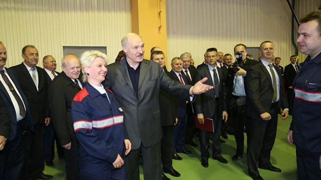Лукашенко на заводе