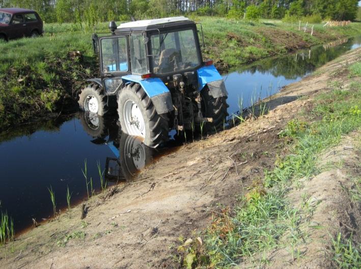 на тракторе через границу