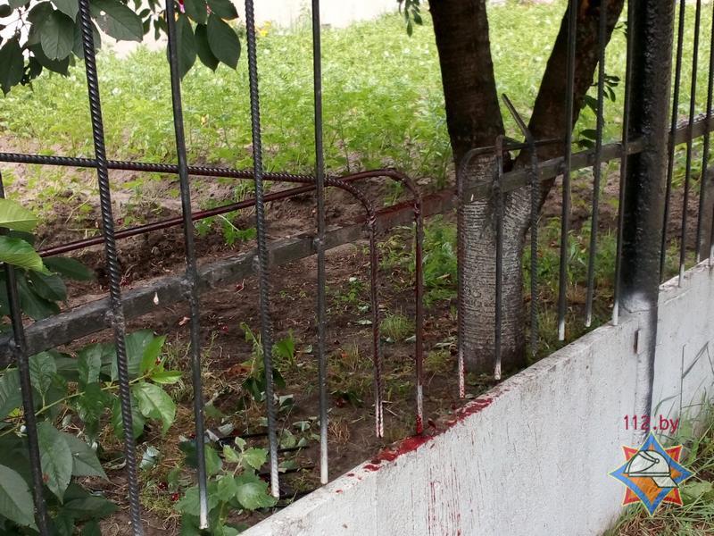 наткнулся на забор
