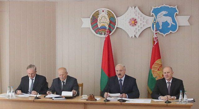Президент Белоруссии срабочей поездкой взападном регионе страны