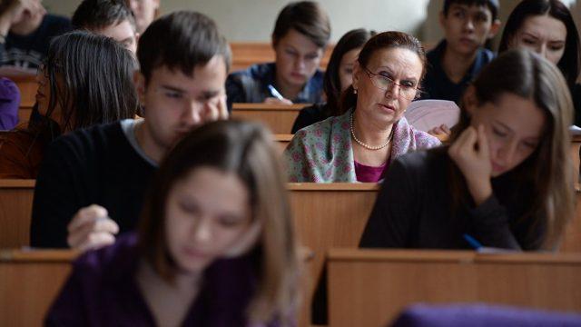 Целевые направления должны выдаваться впервую очередь в областные университеты, считает Кочанова