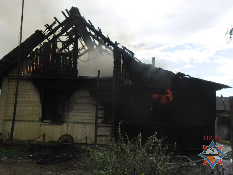Напожаре вПоставском районе погибли мужчина идевятилетняя девочка