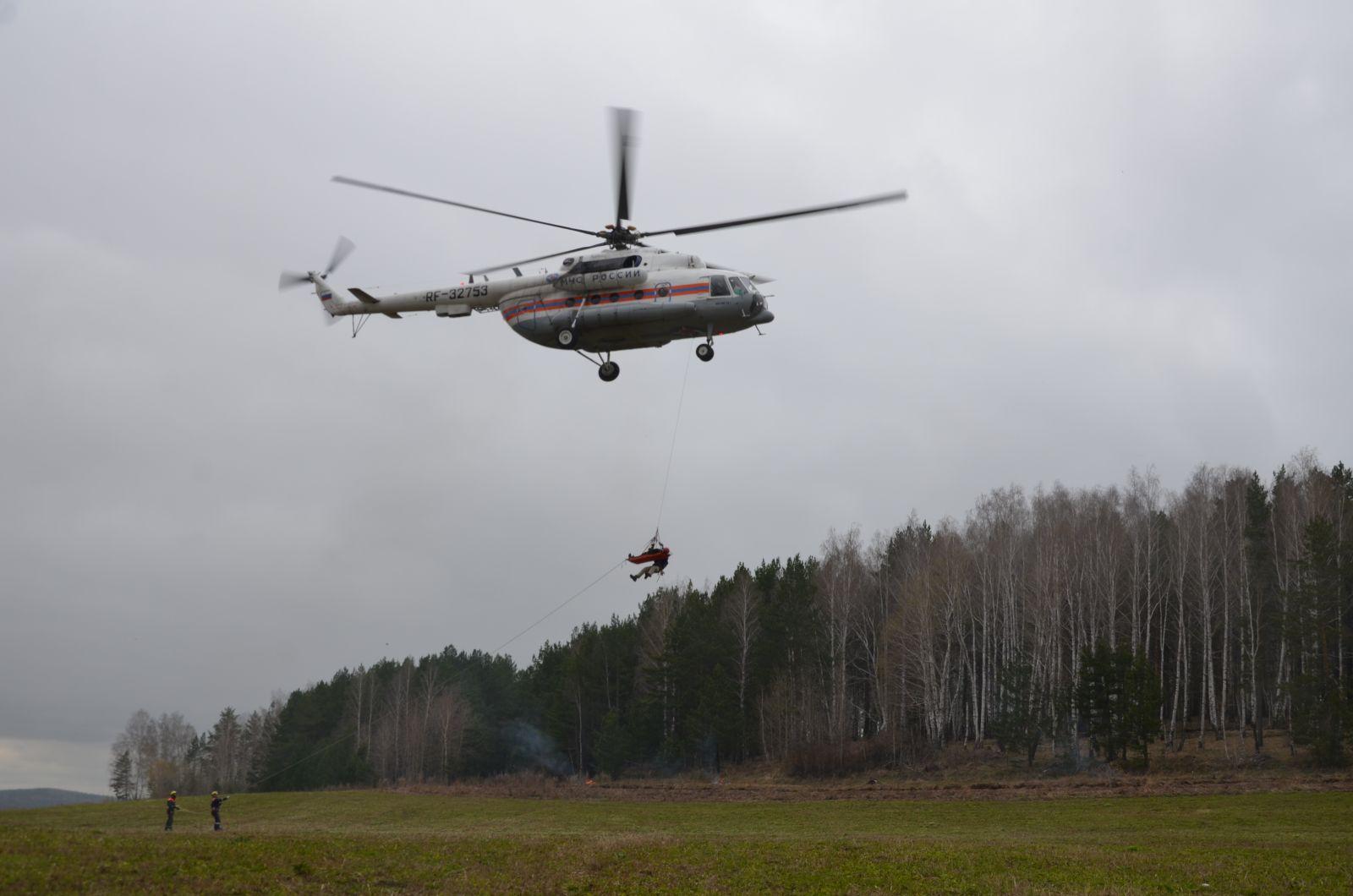 Два вертолета Ми-8 тушили пожар вСтолинском районе