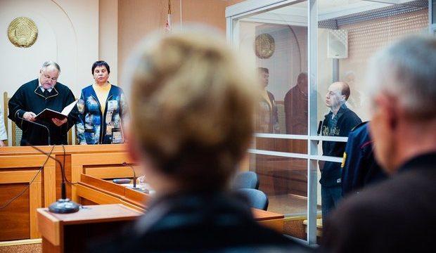 Смертный вердикт убийце коллег Сергею Острикову оставлен всиле