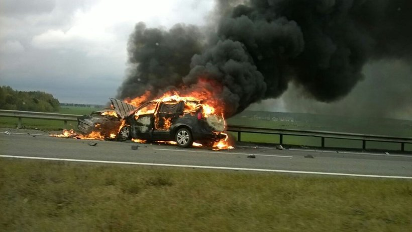 Ужасное ДТП наМ1: после лобового столкновения сгорели две машины
