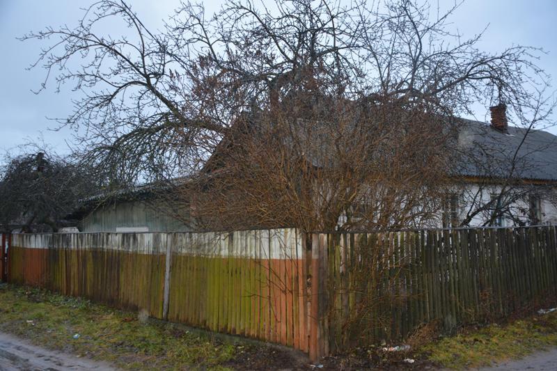 ВБобруйске отыскали тело пропавшего без вести закопанным водворе нежилого дома