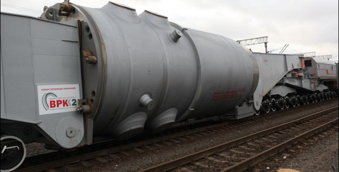 Корпус реактора для БелАЭС впроцессе транспортировки коснулся контактной сети