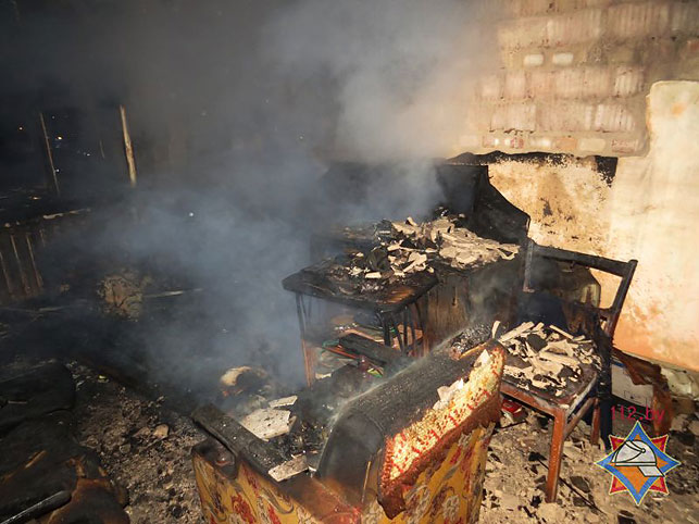 Пожар из-за свечки вМинске: один человек умер