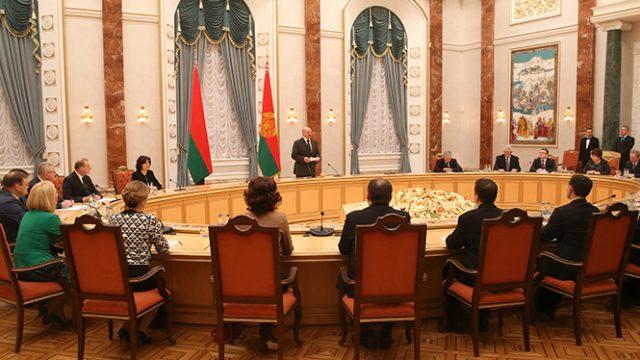 Лукашенко пообещал поддерживать Сербию, даже «если это невыгодно»