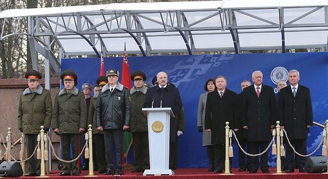 Лукашенко на марше