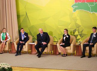Лукашенко про школы