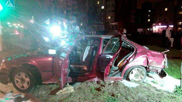 Нетрезвый шофёр наБМВ вМинске насмерть сбил напереходе женщину