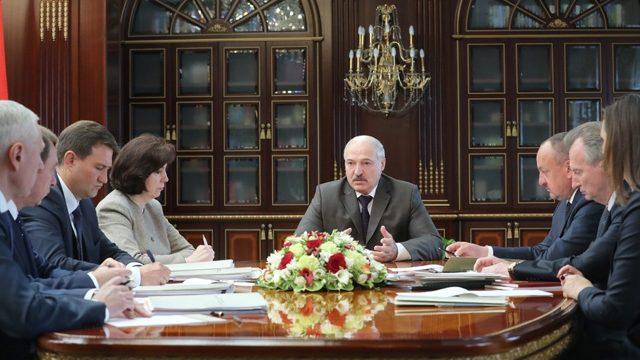 Лукашенко поручил вконце лета  расставить все точки над «i» вобразовании