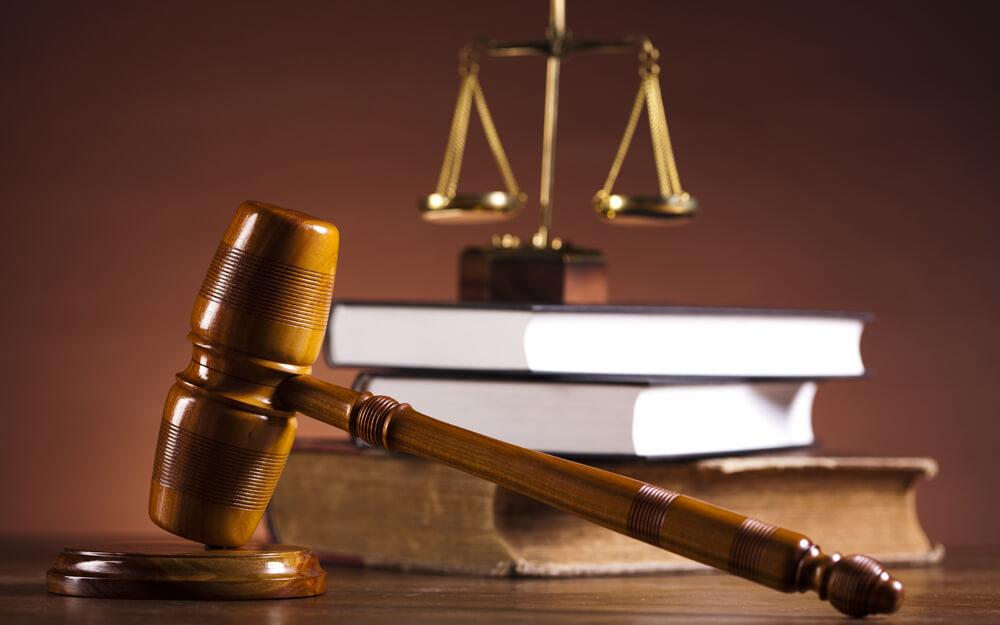 вдалеке Можно ли оплачивать услуги юриста после выигрыша в суде замолк