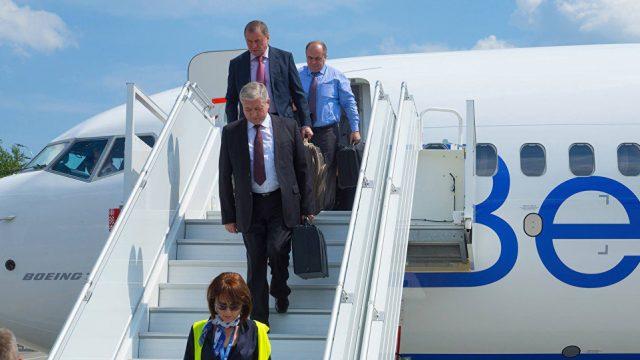 Самолет с чиновниками