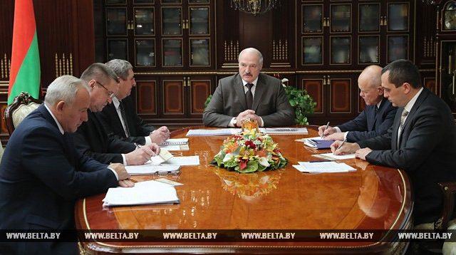 Лукашенко поручил к 7 ноября завершить уборочную кампанию