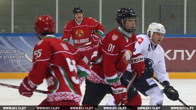 Лукашенко и хоккей