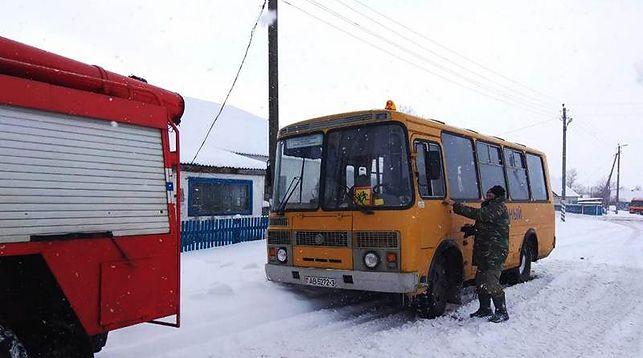 Автобус в снегу
