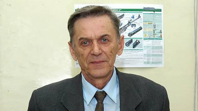 умер Виктор Калашников