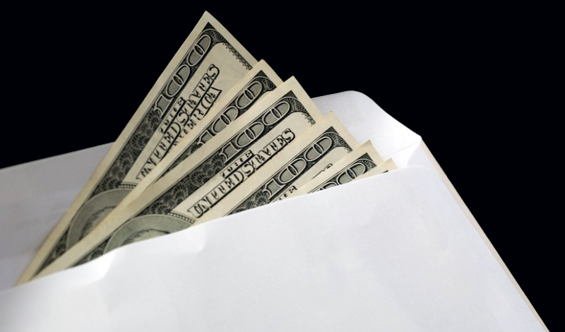 доллары в конверте