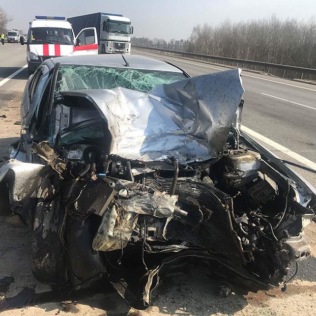 Натрассе М1 столкнулись три машины: умер 49-летний дорожный рабочий