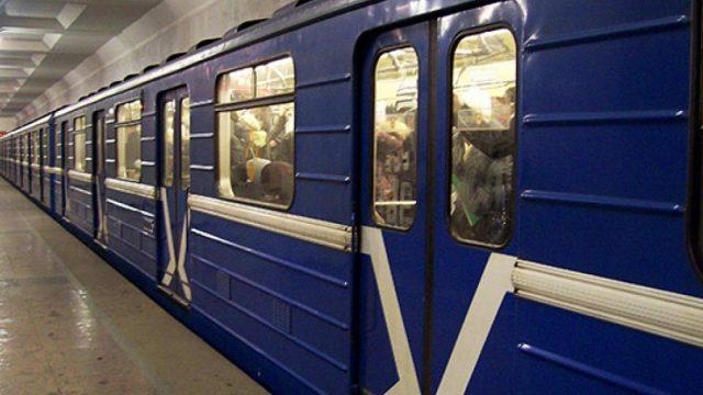 В вагоне минского метро лопнуло стекло