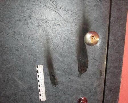 поджигатель дверей