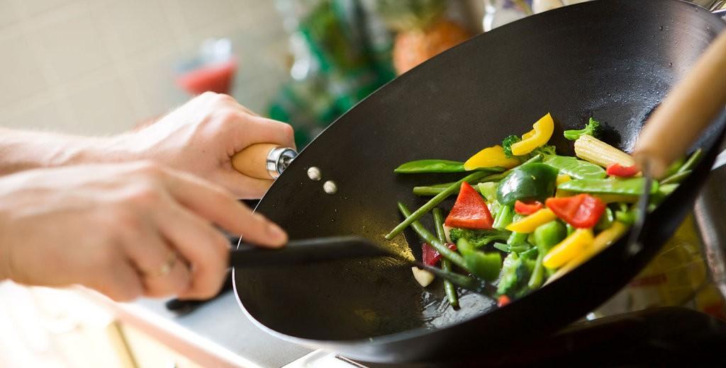 Пища приготовленная на сковороде ВОК