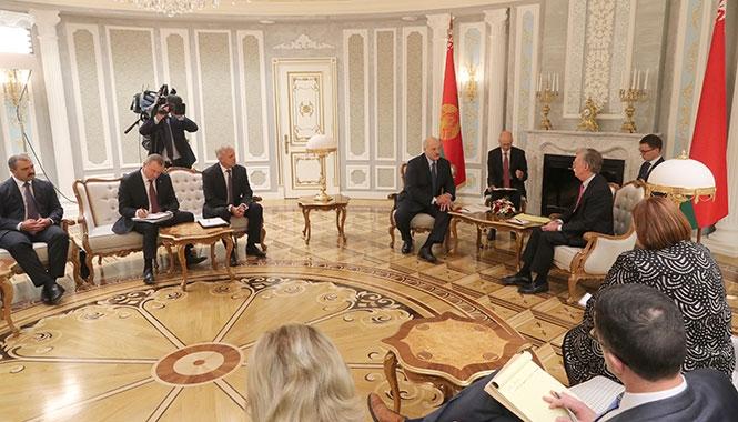 Лукашенко и Болтон
