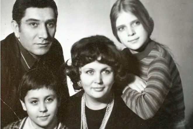 Армен джигарханян его дети фото